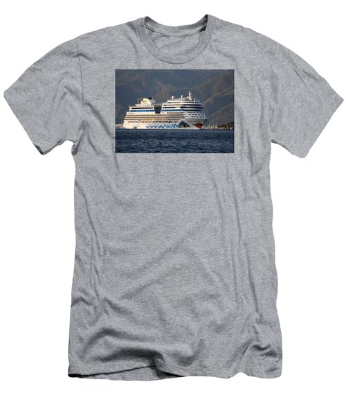 Aida Stella Cruise Ship Leaving Marmaris Men's T-Shirt (Athletic Fit)