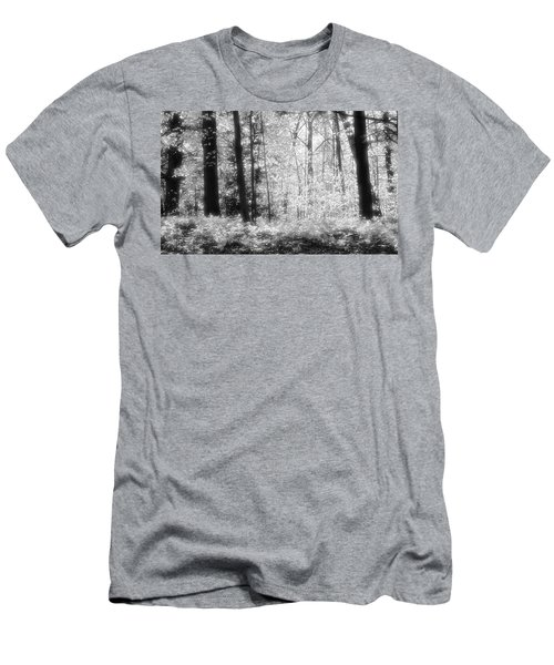 Along The Top Bw  Men's T-Shirt (Slim Fit)