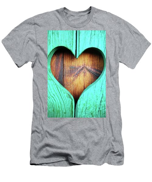 Amor ... Men's T-Shirt (Athletic Fit)