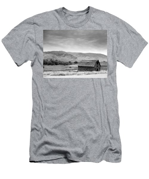 An Old Barn Men's T-Shirt (Athletic Fit)