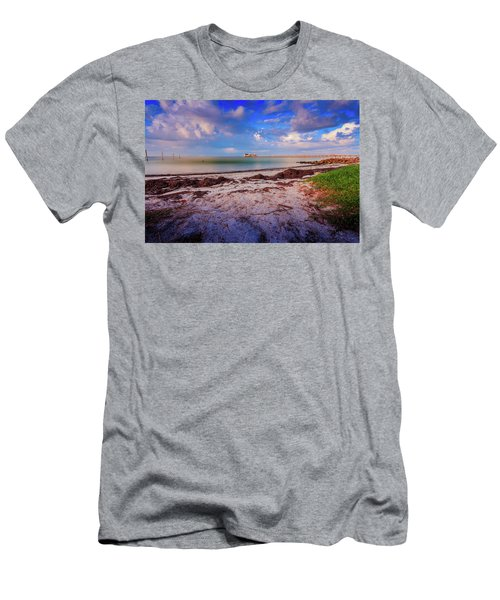 Anna Maria City Pier Men's T-Shirt (Athletic Fit)