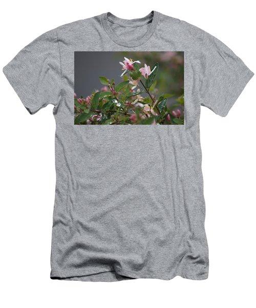 April Showers 7 Men's T-Shirt (Athletic Fit)
