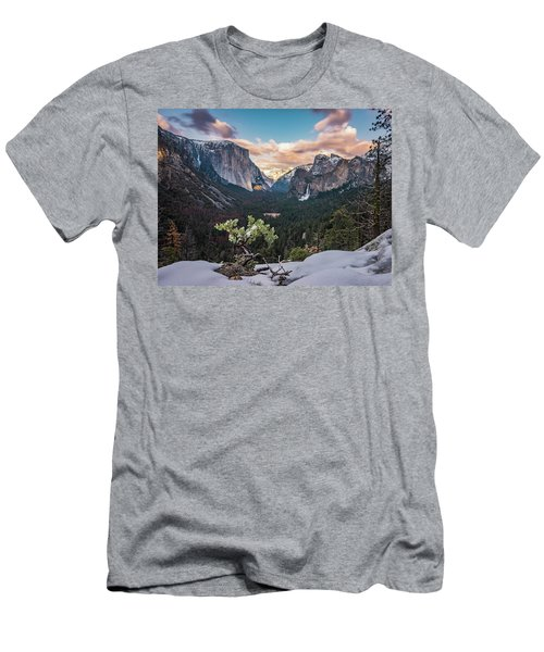 Artist Point Men's T-Shirt (Athletic Fit)