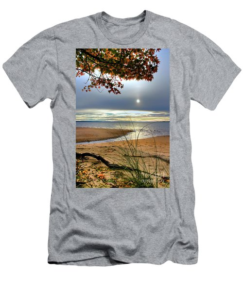 Autumn Sunrise On The James Men's T-Shirt (Athletic Fit)