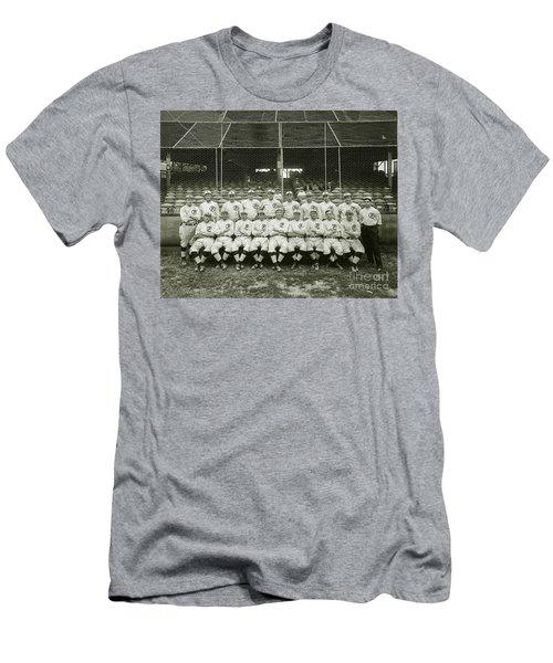 Babe Ruth Providence Grays Team Photo Men's T-Shirt (Slim Fit)