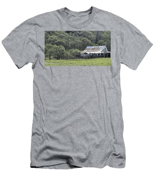 Barn In The Meadow Men's T-Shirt (Athletic Fit)