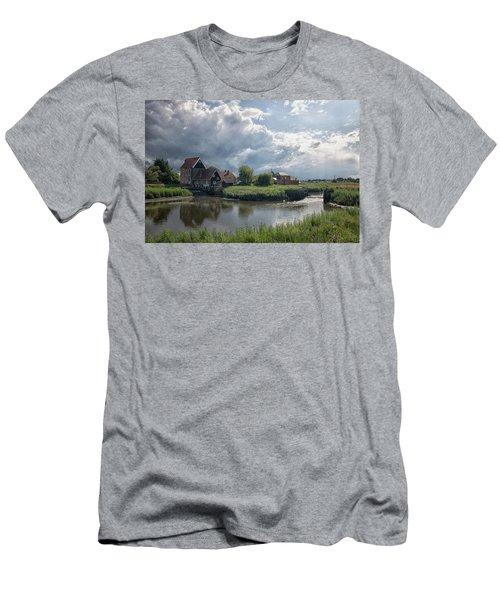 Battlesbridge Men's T-Shirt (Athletic Fit)