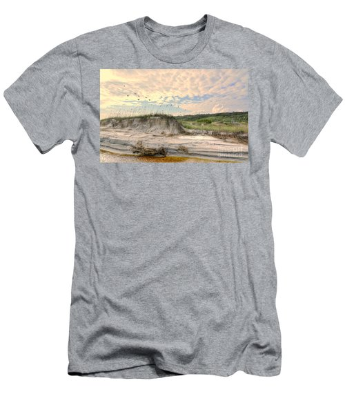 Beach Dunes And Gulls Men's T-Shirt (Athletic Fit)