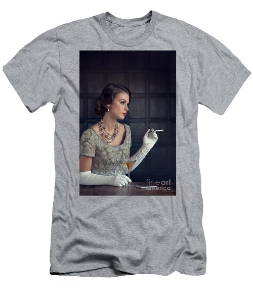 Beautiful 1930s Woman With Cocktail And Cigarette Men's T-Shirt (Athletic Fit)