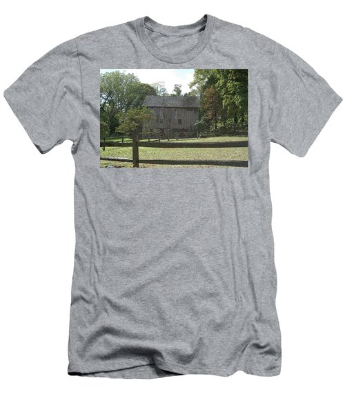 Bedford Barn Men's T-Shirt (Athletic Fit)