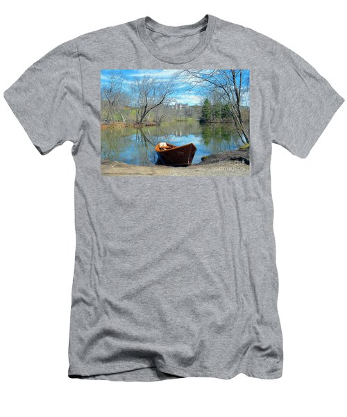 Men's T-Shirt (Slim Fit) featuring the photograph Biltmore Reflections by Li Newton