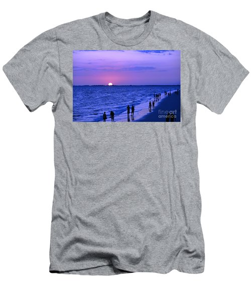 Blue Sunset On The Gulf Of Mexico At Fort Myers Beach In Florida Men's T-Shirt (Athletic Fit)