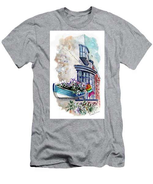 Broadies By The Sea In Staithes Men's T-Shirt (Athletic Fit)