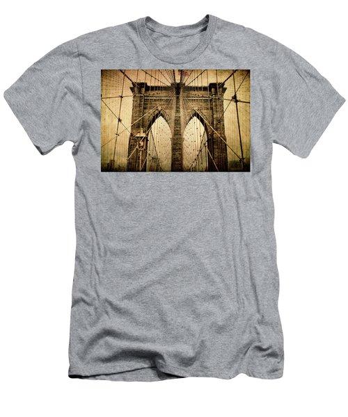 Brooklyn Bridge Nostalgia Men's T-Shirt (Athletic Fit)