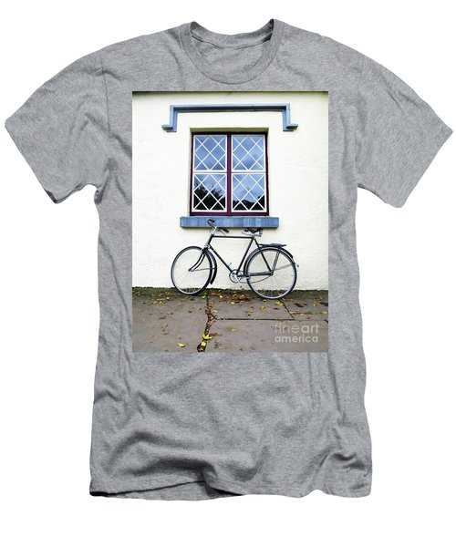 Bunratty Bike Men's T-Shirt (Athletic Fit)
