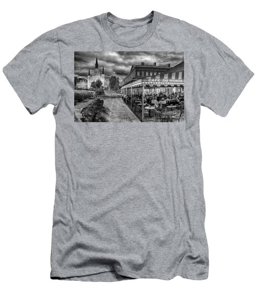 Cafe Du Monde Black And White Men's T-Shirt (Athletic Fit)