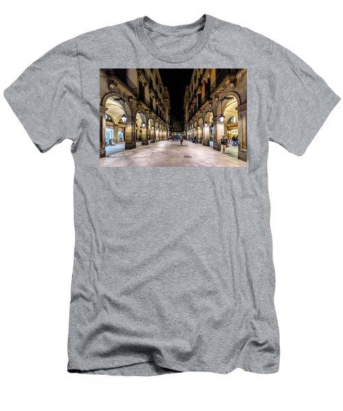 Carrer De Colom Men's T-Shirt (Slim Fit)