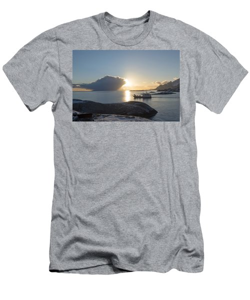Cast A Giant Shadow... Reine Lofoten Men's T-Shirt (Slim Fit) by Dubi Roman
