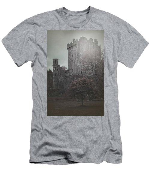 Castle Vignette Men's T-Shirt (Athletic Fit)