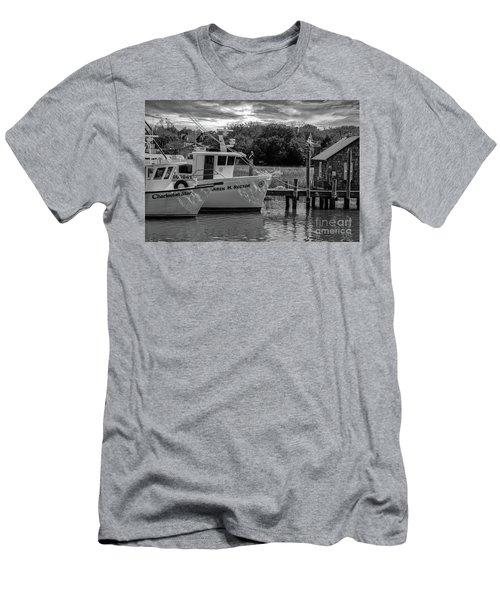 Charleston Star In Monochrome Men's T-Shirt (Athletic Fit)