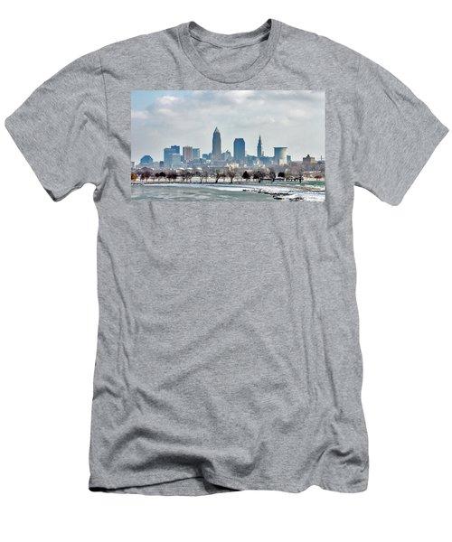 Cleveland Skyline In Winter Men's T-Shirt (Slim Fit)