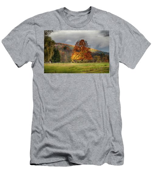 Clouds Part Over Marsh Billings-rockefeller Nhp Men's T-Shirt (Athletic Fit)