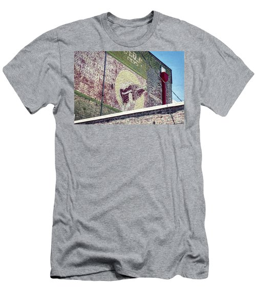 Coca Cola Men's T-Shirt (Athletic Fit)