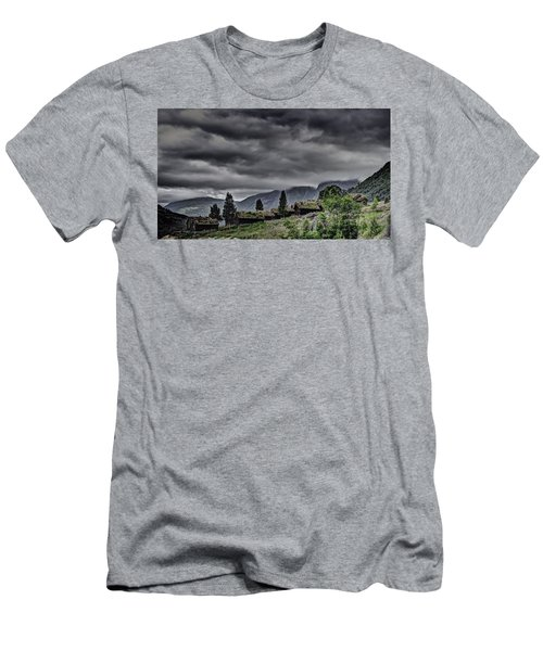 Cottages Men's T-Shirt (Athletic Fit)