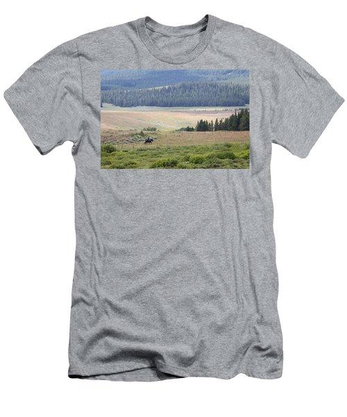 Cow Camp View Men's T-Shirt (Athletic Fit)