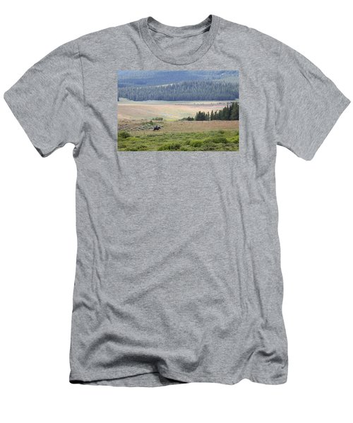 Cow Camp View Men's T-Shirt (Athletic Fit)