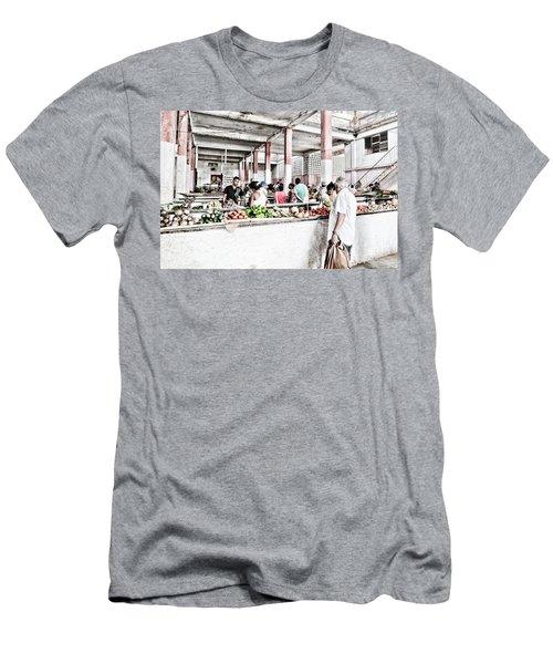 Cuba Market Men's T-Shirt (Athletic Fit)