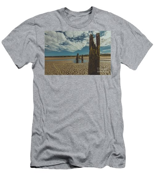 Cunnigar Groynes 2 Men's T-Shirt (Athletic Fit)