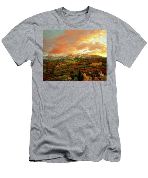 Dallas Divide Sunset Men's T-Shirt (Athletic Fit)