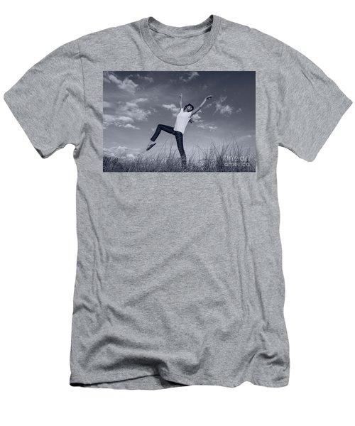 Dancing At The Beach Men's T-Shirt (Slim Fit)
