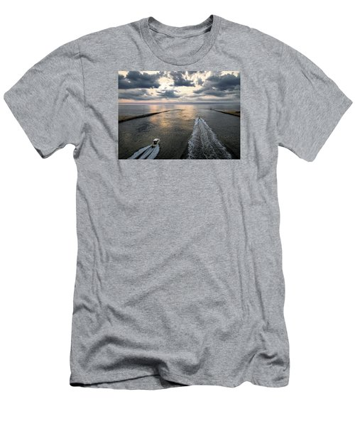Dawn Race To The Fish Men's T-Shirt (Athletic Fit)