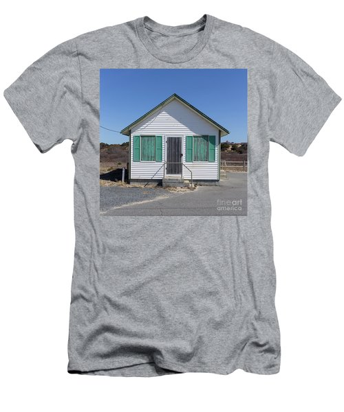 Day's Cottages Weekly Rental Men's T-Shirt (Athletic Fit)
