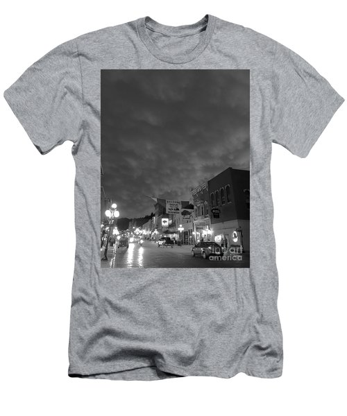 Days Of 76 Deadwood B/w Men's T-Shirt (Athletic Fit)