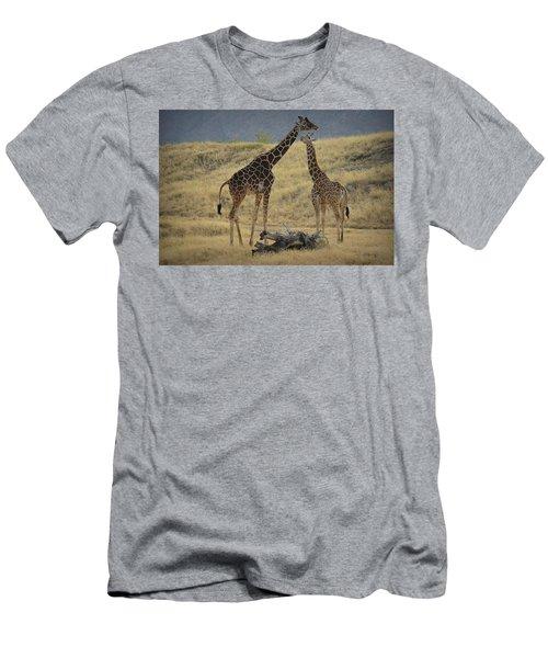 Desert Palm Giraffe Men's T-Shirt (Athletic Fit)
