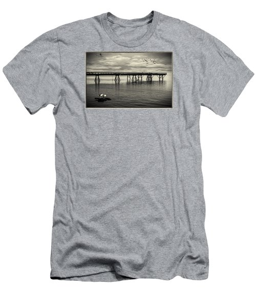 Dock On The Sea Men's T-Shirt (Athletic Fit)
