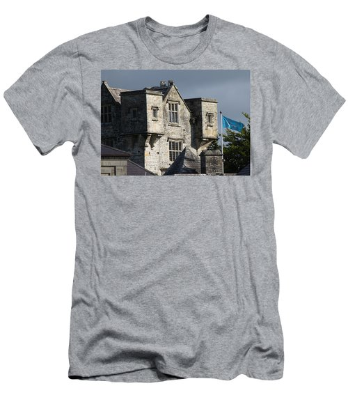 Donegal Castle Men's T-Shirt (Athletic Fit)