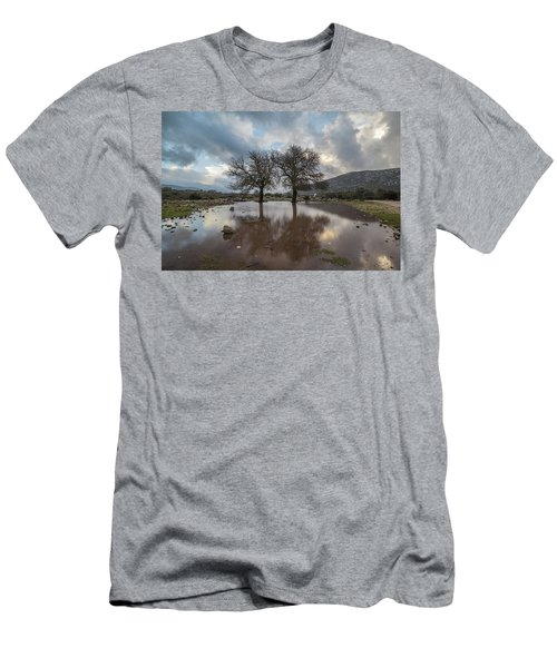 Dried Tree Reflected Men's T-Shirt (Athletic Fit)