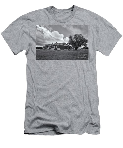 Men's T-Shirt (Athletic Fit) featuring the photograph Duckholes Hotel by Linda Lees