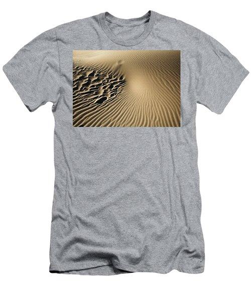 Dunes Footprints Men's T-Shirt (Athletic Fit)
