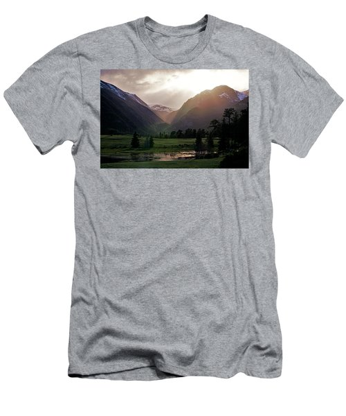 Early Evening Light In The Valley Men's T-Shirt (Athletic Fit)
