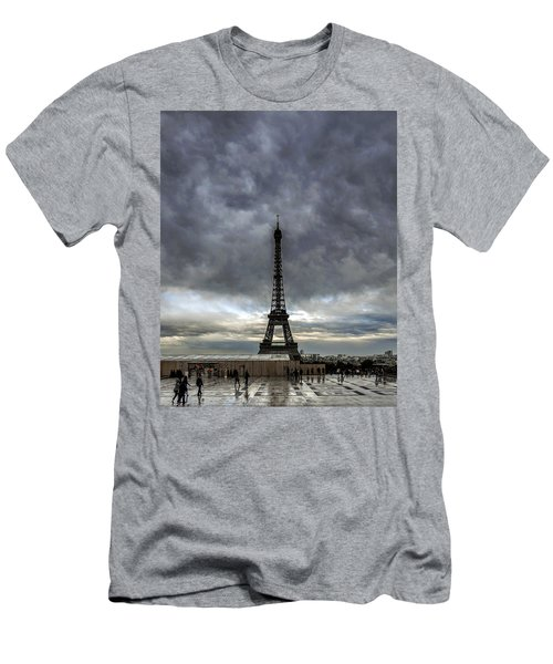 Eiffel Tower Paris Men's T-Shirt (Athletic Fit)