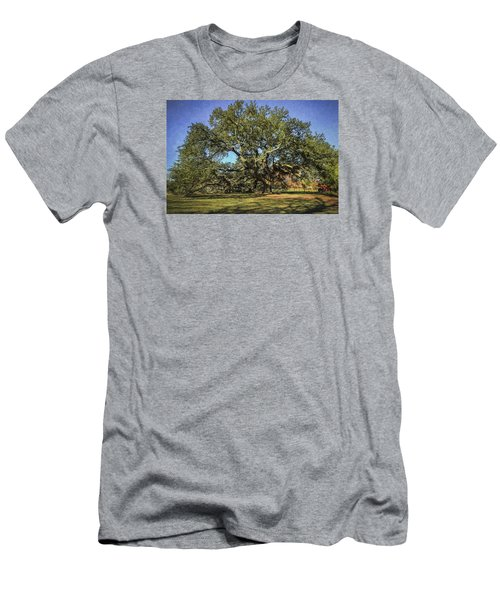Emancipation Oak Tree Men's T-Shirt (Athletic Fit)