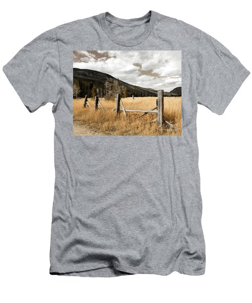 Fallowfield Weathered Fence Rocky Mountain National Park Dramatic Sky Men's T-Shirt (Slim Fit) by John Stephens