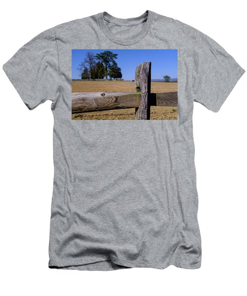 Fence And Farm On A Civil War Battlefield In Antietam Creek Mary Men's T-Shirt (Athletic Fit)