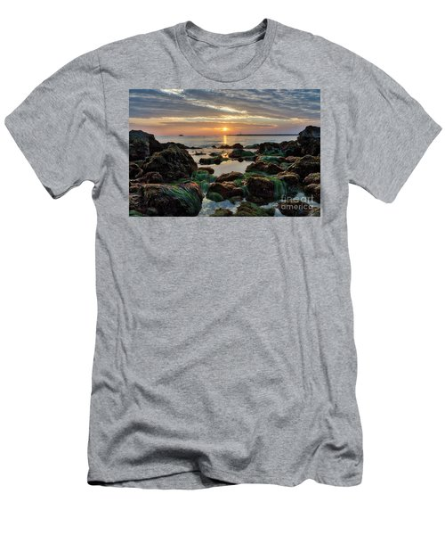 First Sunset Of 2018 Men's T-Shirt (Athletic Fit)