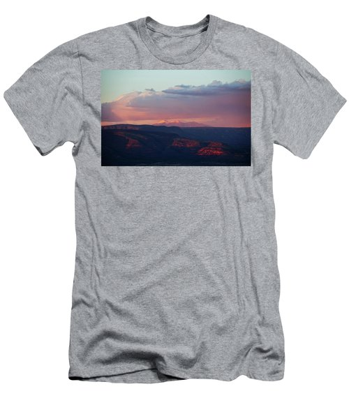 Flagstaff's San Francisco Peaks Snowy Sunset Men's T-Shirt (Athletic Fit)